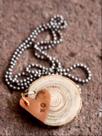 copper XO heart w/ woodchip ballchain